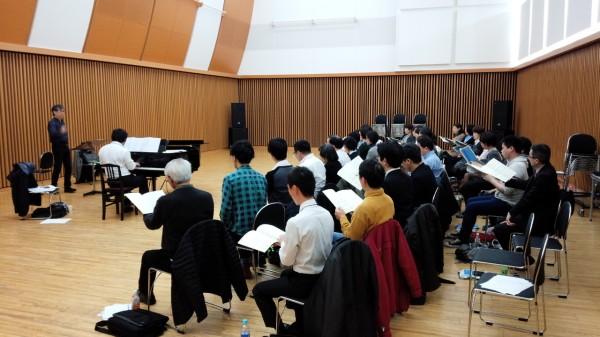 指揮:清水敬一、ピアノ:鷹羽弘晃、松原混声合唱団